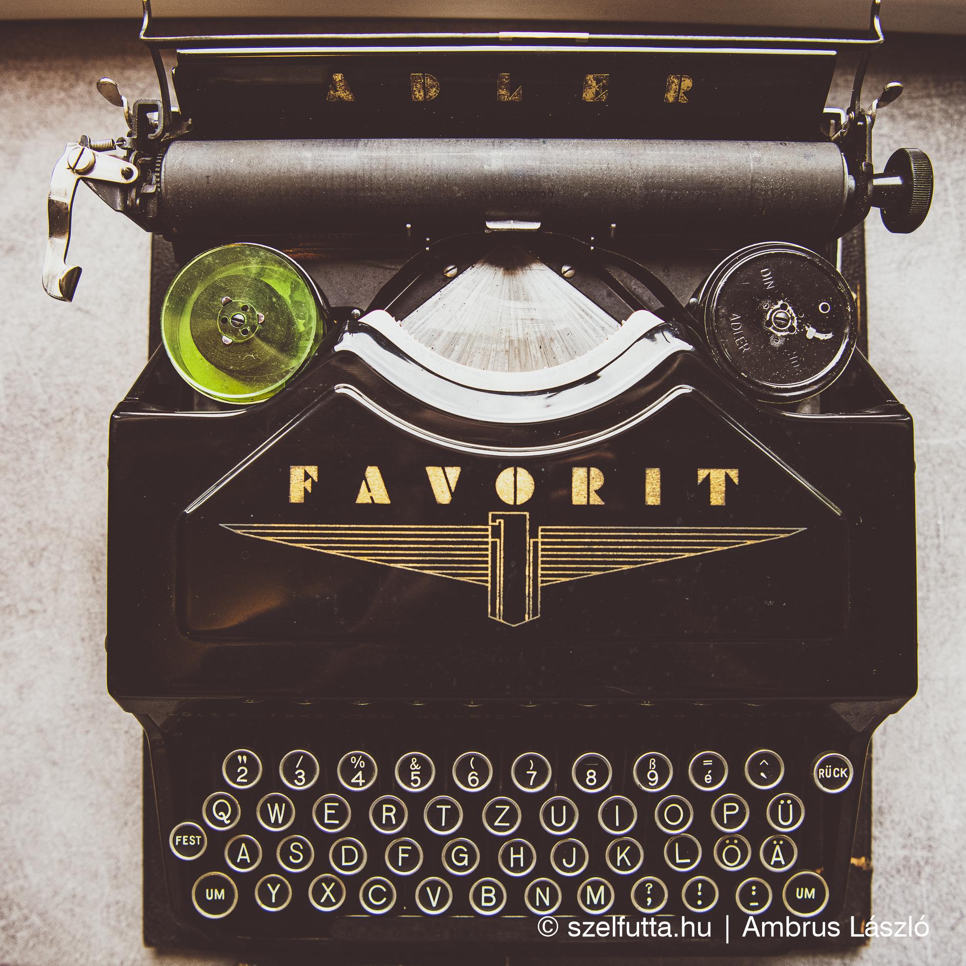 Adler Favorit Typewriter