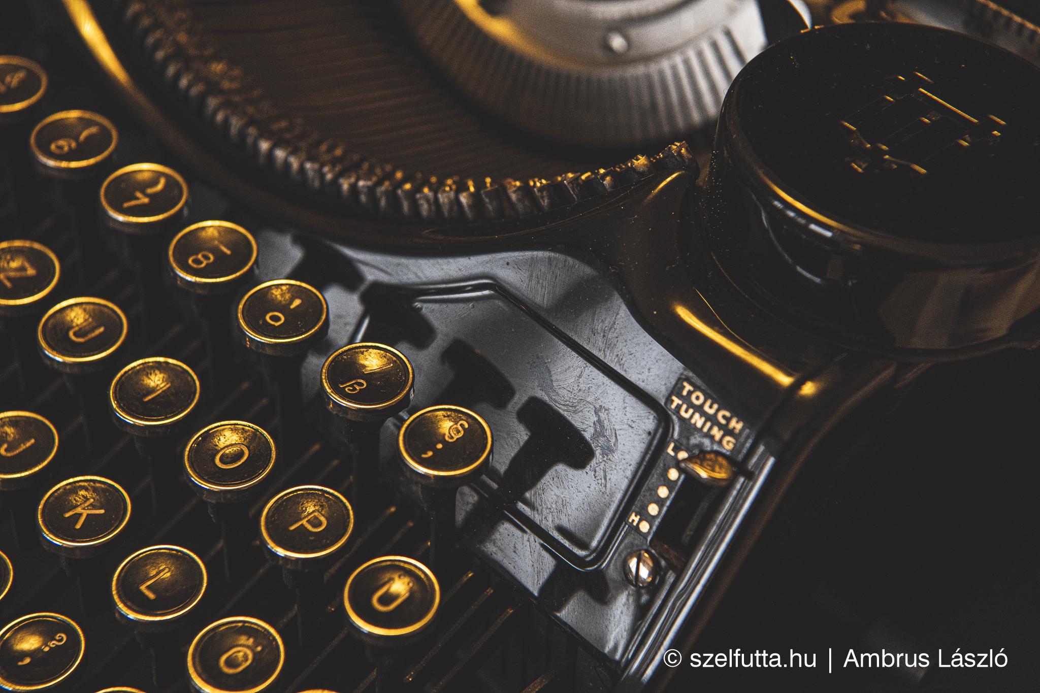 Underwood universal typewriter